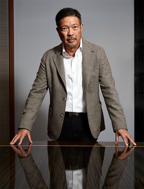 ศาศวัต ศิริสรรพ์ ประธานเจ้าหน้าที่บริหาร บริษัท สหกลอิควิปเมนท์ จำกัด (มหาชน) (SQ) วัย 55 ปี