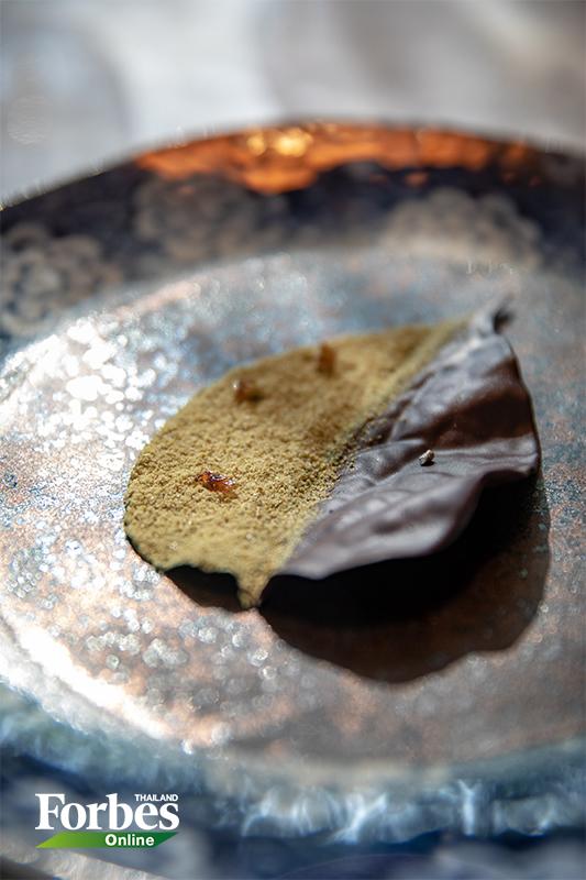 ร้านอาหาร-Gaa-ใบพลูชุบช็อกโกแลต
